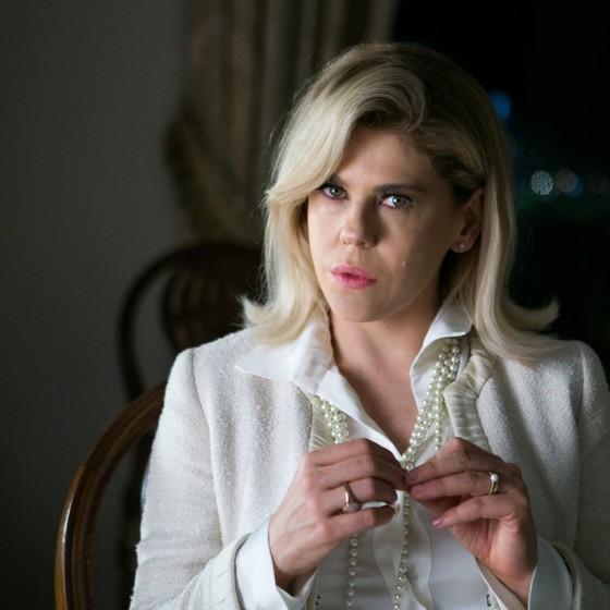 Bárbara Paz volta a clarear os cabelos para nova personagem na TV  (Foto: TV Globo/ Raquel Cunha)