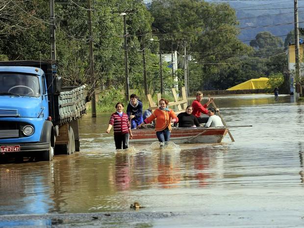 Prejuízo com as chuvas passa dos R$ 600 milhões, segundo a Defesa Civil (Foto: Arnaldo Alves / ANPr / Divulgação)