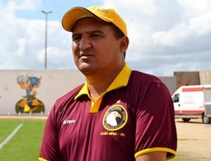 Higor Cesar, técnico do Globo FC (Foto: Jocaff Souza)