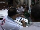 Taxistas protestam contra proposta da prefeitura de SP de regular Uber