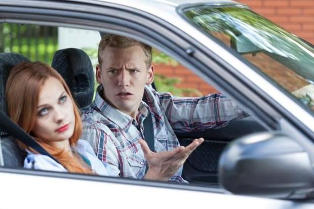 Sugestões são as principais causas de brigas de casais em carros (Foto: Divulgação)