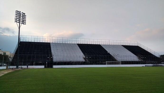 Arena Botafogo Arquibancada (Foto: Reprodução/Twitter)