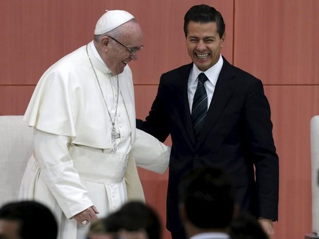 Papa Francisco participa de cerimônia com o presidente do México, Enrique Peña Nieto (Foto: Reuters/Tomas Bravo)