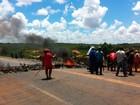 Manifestantes do MST interrompem tráfego na BR-406, na Grande Natal