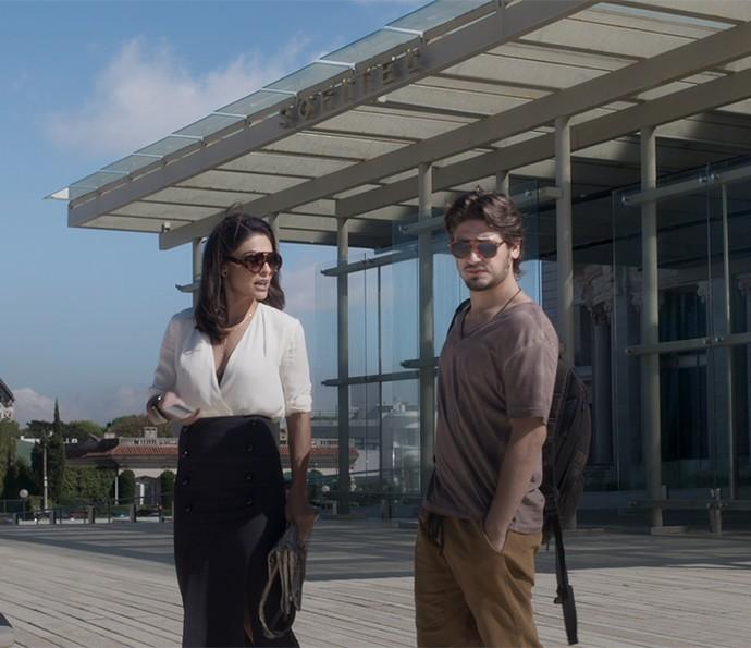 Carol e Rafael tramam contra Eliza (Foto: TV Globo)