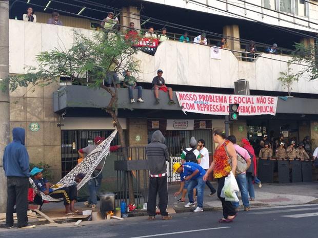 Moradores de ocupações protestam em prédios públicos de Belo Horizonte (Foto: Pedro Ângelo / G1)