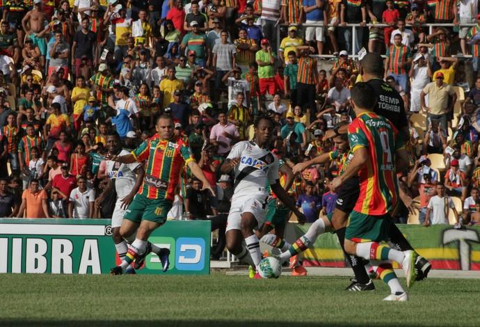 Sampaio e Vasco jogam pela Série B no Castelão (Foto: De Jesus / O Estado)
