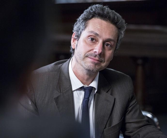 Alexandre Nero está de volta e é no papel de Romero Rômulo que ele vai criar suas próprias regras (Foto: Ellen Soares/ Gshow)
