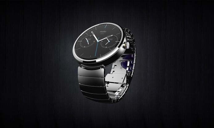Moto 360, da Motorola, é um relógio inteligente que aposta em um design clássico e notificações sutis (Foto: Divulgação/Motorola)