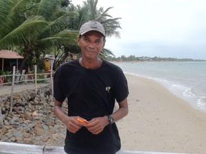 Edison trabalha como guia turístico, em Itaparica. (Foto: Maiana Belo/G1 BA)