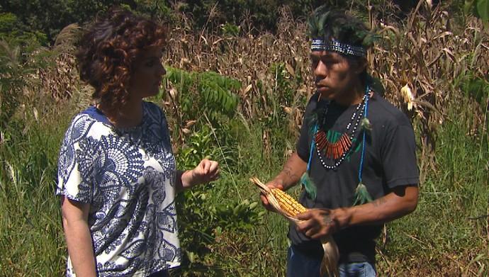 Michelly vai conhecer mais da cultura da aldeia indígena  Y'Hovy (Foto: Reprodução/ Plug)