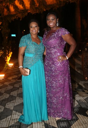 Ellen Caroline e Glória Barbosa, irmã e mãe de Thiaguinho (Foto: Iwi Onodera / EGO)