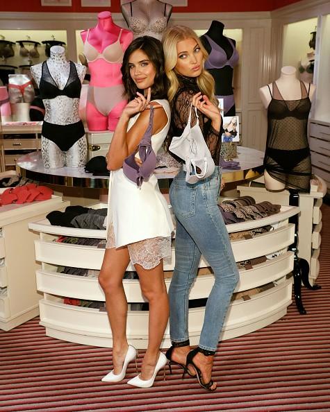 Elsa Hosk e Sara Sampaio brilham em evento da Victoria's Secret em NY (Foto: Getty Images)