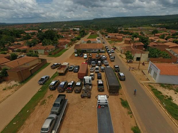Veículos apreendidos durante operação no Sul do Piauí (Foto: Divulgação/Polícia Militar)