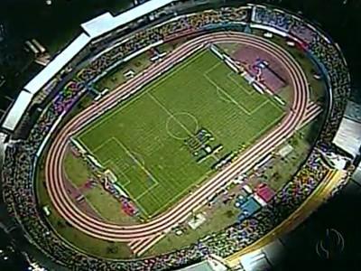 Estádio Pinheirão recebeu jogo do Brasil nas eliminatórias para a Copa 2006 (Foto: Reprodução/RPC)
