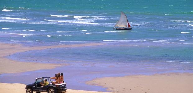 buggs circulam pela praia de canoa quebrada (Foto: divulgação)