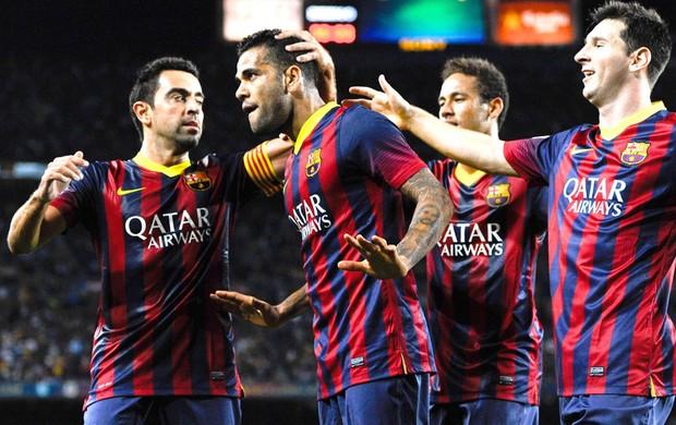 Daniel Alves comemora gol do Barcelona contra o Sevilla (Foto: Getty Images)