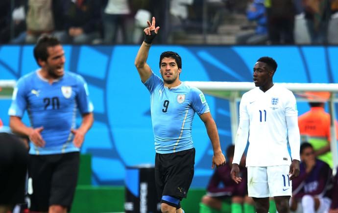 Suarez gol Uruguai x Inglaterra (Foto: Marcos Ribolli)