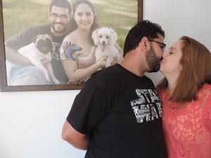 Casal aprendeu a conversar mais sem os beijos (Foto: Géssica Santos / arquivo pessoal)