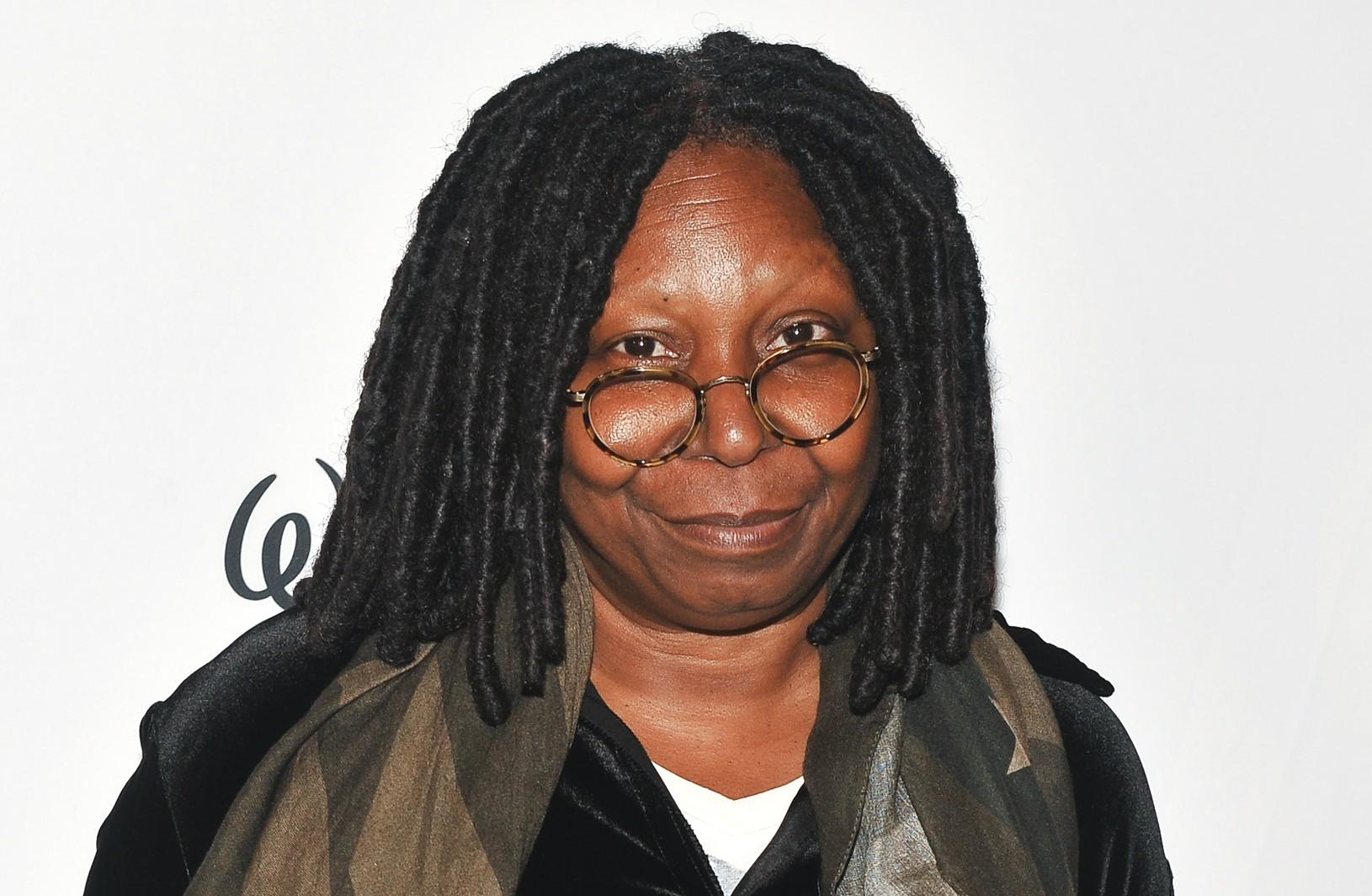 No início da carreira de atriz, Whoopi Goldberg tinha um segundo emprego: maquiar mortos para velórios. (Foto: Getty Images)