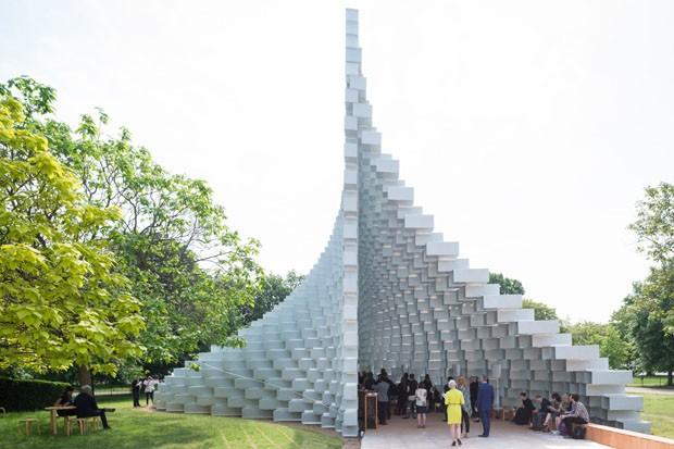 Pavilhão da Serpentine Gallery de Bjarke Ingels é inaugurado em Londres  (Foto:  )
