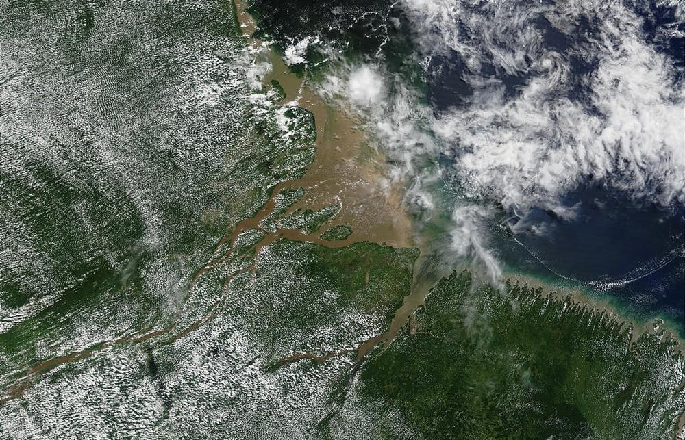 A foz do rio Amazonas em foto de satélite da Nasa de 2002 (Foto: Nasa)