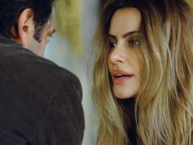 Bianca já aceitou se casar com Stenio (Foto: Salve Jorge/TV Globo)