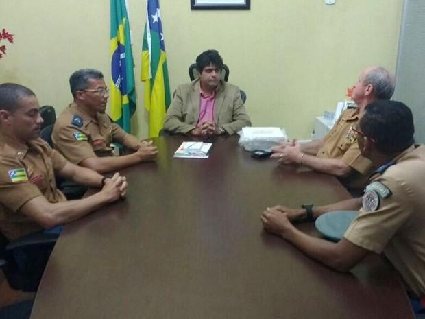 Secretário da SSP, João Batista, destacou o trabalho do Corpo de Bombeiros no caso (Foto: Lucas Rosário/SSP)