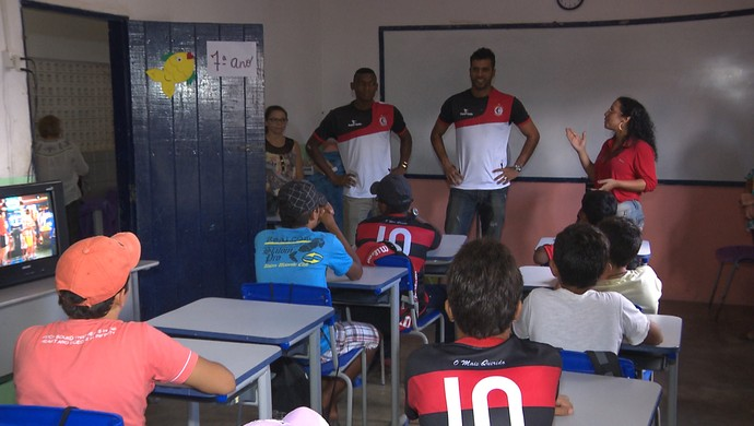 campinense visita escola (Foto: Divulgação / Campinense)