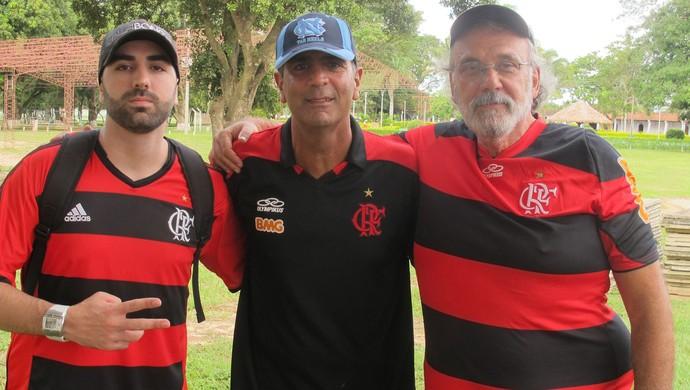 Torcedores Alexandre, Francisco e Marcos Flamengo (Foto: Thales Soares)