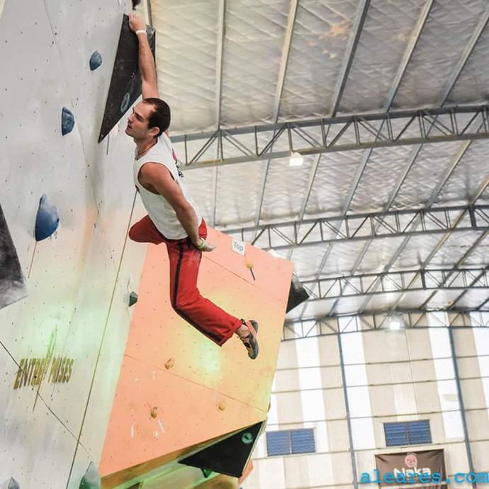 Jean Ouriques é o atual campeão brasileiros de escalada (Foto: Reprodução/Facebook)