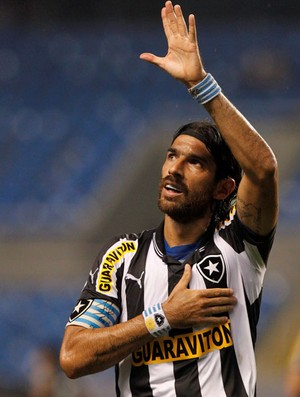 Loco abreu botafogo gol bangu semifinal taça rio (Foto: Bruno Gonzalez / O Globo)