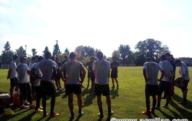Kaká milan treino (Foto: Reprodução / Twitter)