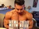 Felipe Franco impressiona com coleção de comprimidos: 'Mantendo'
