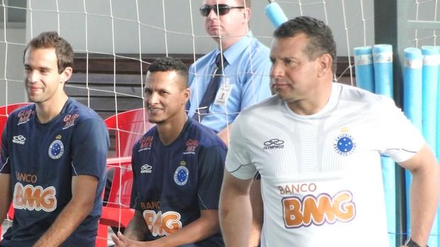 Celso Roth, treino do Cruzeiro (Foto: Tarcísio Badaró / Globoesporte.com)