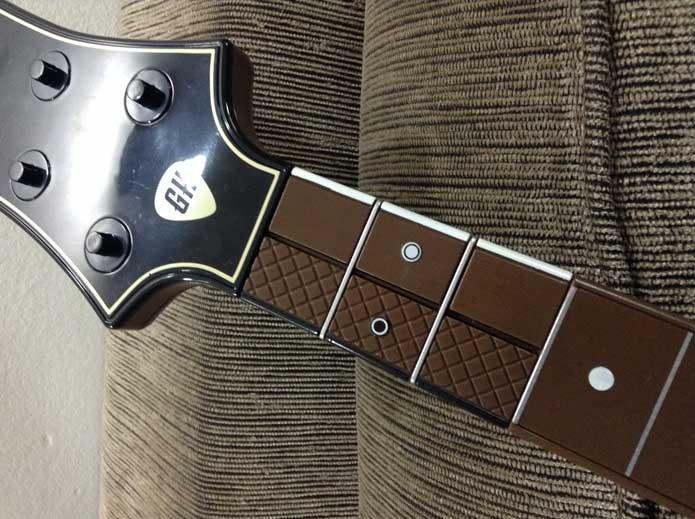 Botões superiores da guitarra (Foto: Felipe Vinha)