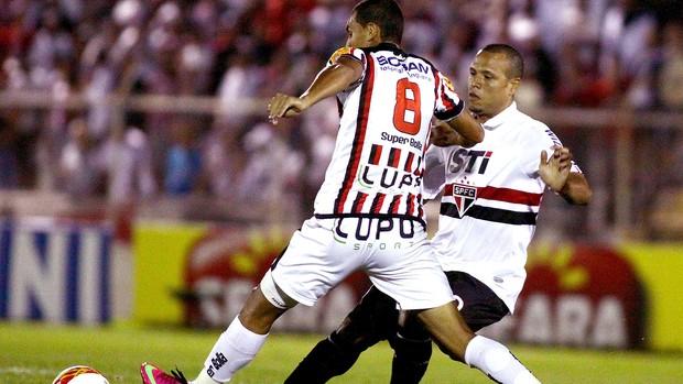Luis Fabiano jogo São Paulo Paulista (Foto: Marcos Bezerra / Ag. Estado)