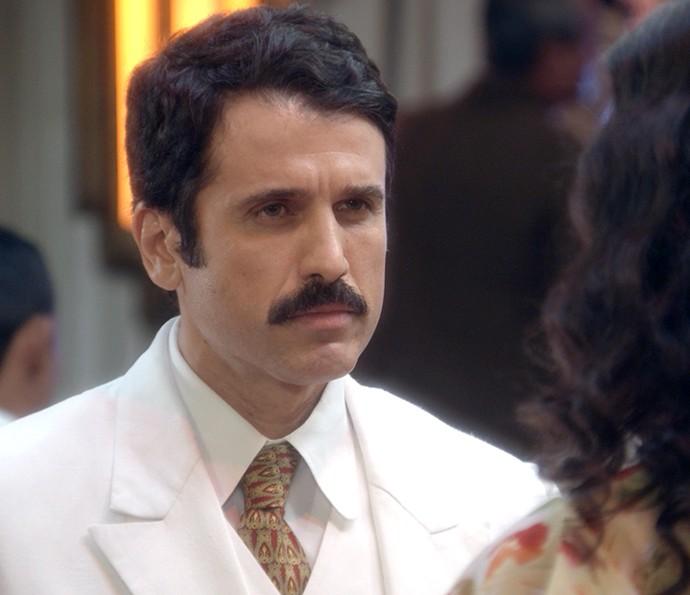 Ernesto promete acabar com Candinho (Foto: TV Globo)