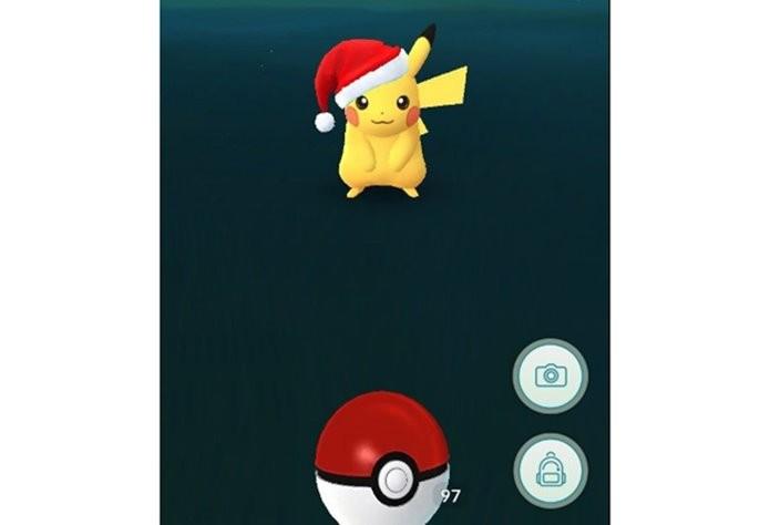 Nova versão do Pikachu é destaque do evento de Natal de Pokémon GO (Foto: Reprodução/Felipe Demartini)