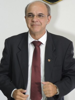 Eduardo Bandeira de Mello toma posse no Fla (Foto: Gustavo Rotstein)
