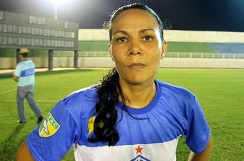 Antonia Sobrinha, a Morena, zagueira do Atlético-AC (Foto: Reprodução/GloboEsporte.com)
