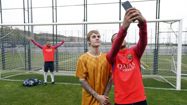 Justin Bieber e Neymar (Foto: The Grosby Group)