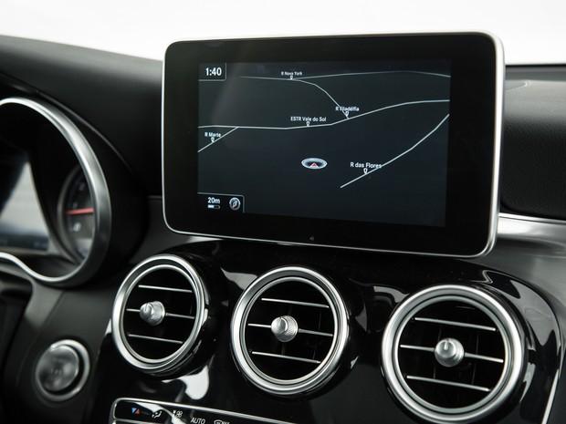 Central multimídia dos Mercedes GLC e GLE tem funcionamento confuso (Foto: Divulgação)