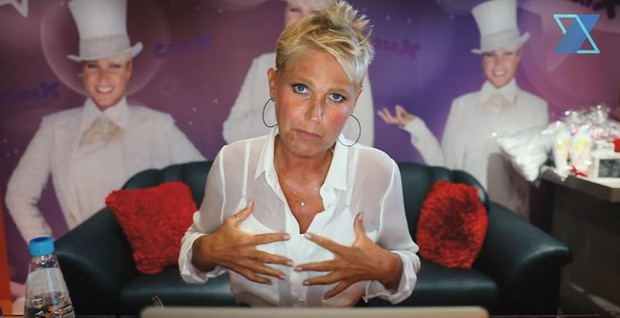 Resultado de imagem para Xuxa passa por cirurgia para troca das próteses de silicone