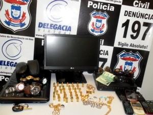 14d3978e90f Munições foram apreendidas em residência de suspeito. (Foto   Assessoria Polícia Civil)