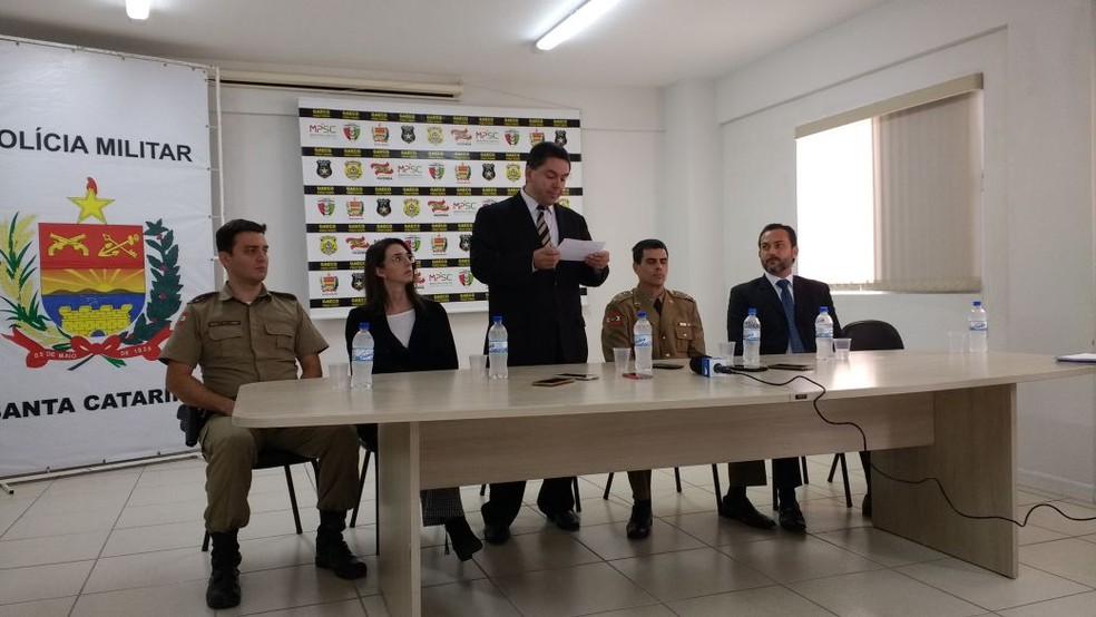 Gaeco fez coletiva quando deflagrou a operação 'Terra Prometida'  (Foto: Bianca Ingletto/RBS TV)