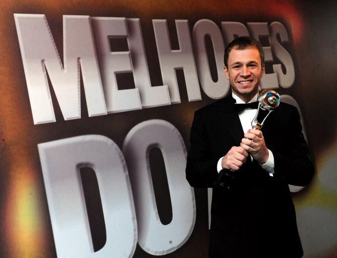 Tiago Leifert quando ganhou o 'Melhores do Ano' do Domingão na categoria 'Jornalismo' (Foto: Marcio Nunes/TV Globo)