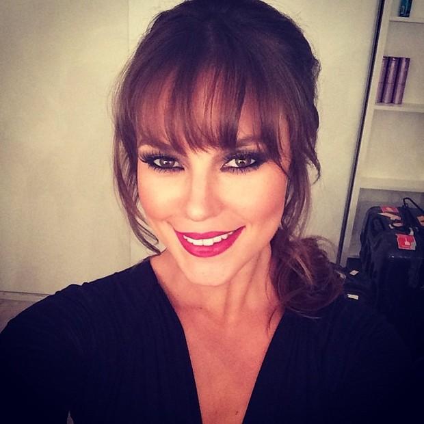 EGO - Paolla Oliveira posta selfie maquiada e recebe diversos ...