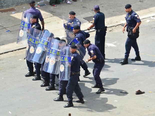 Guarda Municipal entra em confronto com usuarios de crack na cracolândia Centro de São Paulo. Durante a ação foram usadas bombas de efeito moral (Foto: Adriano Lima/Agência O Dia/Estadão Conteúdo)