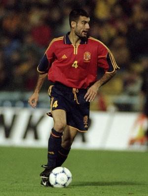 Brasil x Espanha 1999 - Guardiola (Foto: Getty Images)